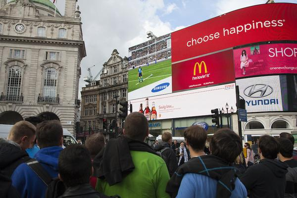 Samsung turns Piccadilly Circus Screen into interactive rugby game to spur on England