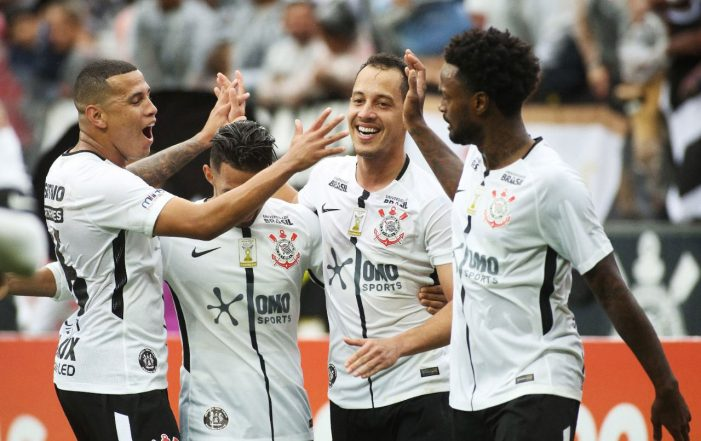 Omo Sports sponsors the Corinthians jersey in a F.biz action that innovates the use of hydrochromic ink