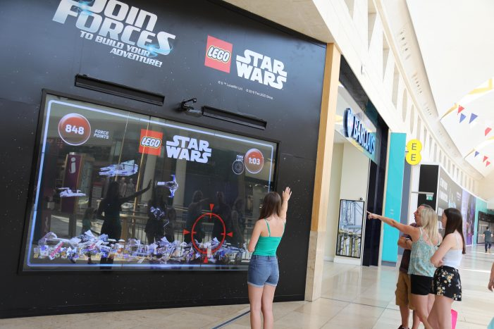 LEGO Star Wars Uses the Force in Hi-Tech Gesture Based DOOH Mall Campaign