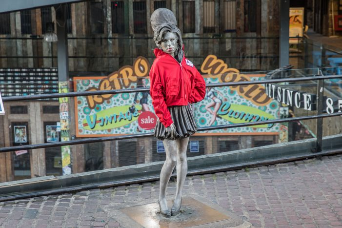 Iconic statues wrapped up against cold for 8th Wrap Up London campaign